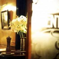 http://markhigashino.com/files/gimgs/th-40_flower_2.jpg
